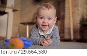 Купить «Home portrait of happy baby girl», видеоролик № 29664580, снято 24 июня 2019 г. (c) Данил Руденко / Фотобанк Лори