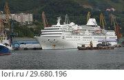 Купить «Петропавловск-Камчатский морской порт», видеоролик № 29680196, снято 6 сентября 2018 г. (c) А. А. Пирагис / Фотобанк Лори