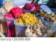 Купить «Тбилиси.Уличный рынок. Грузинские закуски», фото № 29699456, снято 4 января 2018 г. (c) Gagara / Фотобанк Лори
