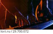 Купить «Musician playing electronic piano in studio», видеоролик № 29700072, снято 23 ноября 2016 г. (c) Wavebreak Media / Фотобанк Лори
