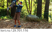 Купить «Father and son having fun in the park», видеоролик № 29701116, снято 2 марта 2017 г. (c) Wavebreak Media / Фотобанк Лори