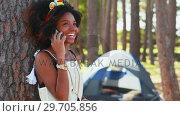 Купить «Woman talking on mobile phone 4k», видеоролик № 29705856, снято 9 марта 2017 г. (c) Wavebreak Media / Фотобанк Лори