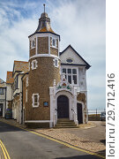 Купить «The Guildhall Cottage on Bridge street. Lyme Regis. England», фото № 29712416, снято 12 мая 2009 г. (c) Serg Zastavkin / Фотобанк Лори