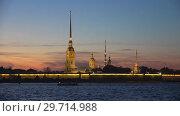 Вид на Петропавловскую крепость майским вечером. Санкт-Петербург (2018 год). Стоковое видео, видеограф Виктор Карасев / Фотобанк Лори