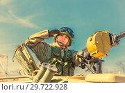 Купить «Russia, Samara, May 2018: Military greeting by the commander of the crew of armored vehicles at a parade rehearsal on a city street.», фото № 29722928, снято 5 мая 2018 г. (c) Акиньшин Владимир / Фотобанк Лори