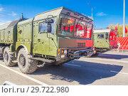 Купить «Russia, Samara, May 2018: Mobile ballistic missile system 9?720 Iskander on a city street.», фото № 29722980, снято 5 мая 2018 г. (c) Акиньшин Владимир / Фотобанк Лори