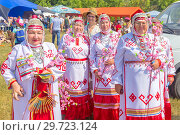 Купить «Russia, Samara, July, 2018: Female folk ensemble in Chuvash national costumes.», фото № 29723124, снято 29 июля 2018 г. (c) Акиньшин Владимир / Фотобанк Лори