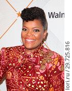 Купить «Essence 11th Annual Black Women In Hollywood Awards Gala at the Beverly Wilshire Four Seasons Hotel in Beverly Hills, California. Featuring: Yvette Nicole...», фото № 29725816, снято 1 марта 2018 г. (c) age Fotostock / Фотобанк Лори