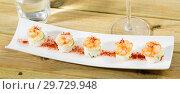 Купить «Grilled shrimps on rice balls», фото № 29729948, снято 19 января 2019 г. (c) Яков Филимонов / Фотобанк Лори