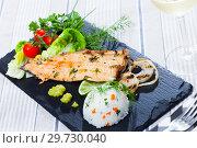 Купить «Fish dish - delicious fried trout fillet», фото № 29730040, снято 20 января 2019 г. (c) Яков Филимонов / Фотобанк Лори