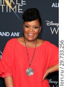 Купить «World premiere of Disney's 'A Wrinkle In Time', held at El Capitan Theatre in Los Angeles, California. Featuring: Yvette Nicole Brown Where: Los Angeles...», фото № 29733256, снято 26 февраля 2018 г. (c) age Fotostock / Фотобанк Лори