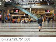 Купить «Stockholm Central Station, railway station. Passengers in lounge. Швеция», фото № 29751000, снято 9 июля 2018 г. (c) Валерия Попова / Фотобанк Лори