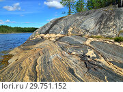 Купить «Beautiful rocks on the shore of the White Sea . Bay Chupa, Karelia, Russia», фото № 29751152, снято 10 августа 2018 г. (c) Сергей Трофименко / Фотобанк Лори