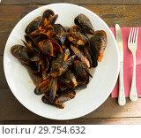 Купить «Mussels with tomato sauce», фото № 29754632, снято 26 марта 2019 г. (c) Яков Филимонов / Фотобанк Лори