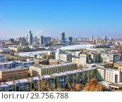 Купить «Городской пейзаж. Вид сверху. Екатеринбург», фото № 29756788, снято 27 февраля 2012 г. (c) Сергей Афанасьев / Фотобанк Лори