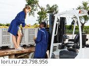 Купить «Engineers checking delivered grapes harvest», фото № 29798956, снято 12 сентября 2018 г. (c) Яков Филимонов / Фотобанк Лори
