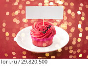 Купить «close up of cupcake with red buttercream frosting», фото № 29820500, снято 8 февраля 2018 г. (c) Syda Productions / Фотобанк Лори