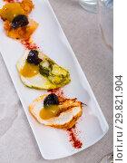 Купить «Turkey breast with paprika, prunes and spicy mango sauce», фото № 29821904, снято 23 марта 2019 г. (c) Яков Филимонов / Фотобанк Лори