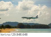 Купить «Airbus Cathay Dragon landing approach», фото № 29848648, снято 27 ноября 2016 г. (c) Игорь Жоров / Фотобанк Лори