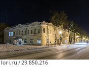 Купить «The former home of merchants Zhinkin in Suzdal in the New Year's holidays. Russia, Suzdal. The Golden Ring», фото № 29850216, снято 8 декабря 2019 г. (c) Mikhail Starodubov / Фотобанк Лори