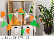 Купить «home interior decorated for st patricks day party», фото № 29874432, снято 31 января 2018 г. (c) Syda Productions / Фотобанк Лори