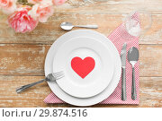 Купить «close up of table setting for valentines day», фото № 29874516, снято 9 февраля 2018 г. (c) Syda Productions / Фотобанк Лори