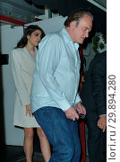 Quentin Tarantino Out On A Dinner Date With A Much Younger Woman ... (2018 год). Редакционное фото, фотограф WENN.com / age Fotostock / Фотобанк Лори