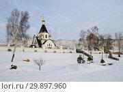 Купить «Свято-Успенский мужской монастырь в Красноярске», эксклюзивное фото № 29897960, снято 2 января 2019 г. (c) Шичкина Антонина / Фотобанк Лори