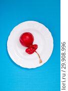 Купить «Твёрдый копчёный сыр ручной работы в парафиновой оболочке», фото № 29908996, снято 13 января 2019 г. (c) V.Ivantsov / Фотобанк Лори