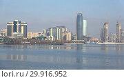 Купить «Панорама современного Баку солнечным январским днем. Азербайджан», видеоролик № 29916952, снято 29 декабря 2017 г. (c) Виктор Карасев / Фотобанк Лори