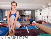 Купить «Teenage girl training gymnastics», фото № 29917676, снято 17 января 2019 г. (c) Яков Филимонов / Фотобанк Лори