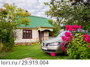 Купить «Дачный домик», фото № 29919004, снято 15 августа 2015 г. (c) Галина Савина / Фотобанк Лори