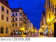 Купить «Streets of Torun in evening», фото № 29919308, снято 11 мая 2018 г. (c) Яков Филимонов / Фотобанк Лори