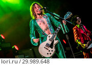 Купить «The Darkness performing live on stage at the O2 Guildhall Southampton in Southampton, Hampshire. Featuring: The Darkness, Justin Hawkins Where: Southampton...», фото № 29989648, снято 23 ноября 2017 г. (c) age Fotostock / Фотобанк Лори