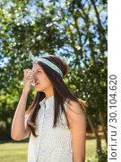 Купить «Pretty brunette using her inhaler», фото № 30104620, снято 19 ноября 2014 г. (c) Wavebreak Media / Фотобанк Лори