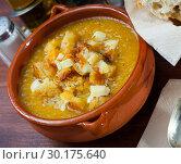 Купить «Cream soup with croutons and cheese», фото № 30175640, снято 24 апреля 2019 г. (c) Яков Филимонов / Фотобанк Лори