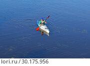 Купить «Man on kayak. Оулу, Финляндия», фото № 30175956, снято 17 июля 2018 г. (c) Валерия Попова / Фотобанк Лори
