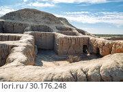 Купить «Walls of ancient settlement Toprak-Kala (Toprak Qala) in Kyzylkum desert, Karakalpakstan, Uzbekistan, Central Asia», фото № 30176248, снято 21 октября 2016 г. (c) Юлия Бабкина / Фотобанк Лори