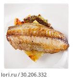 Купить «Top view of roasted scomber fillet with potatoes», фото № 30206332, снято 25 января 2020 г. (c) Яков Филимонов / Фотобанк Лори