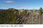 Купить «Забайкальская тайга. Видео с дрона.», видеоролик № 30261060, снято 8 октября 2018 г. (c) kinocopter / Фотобанк Лори
