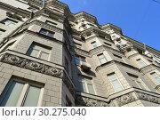 Купить «Десятиэтажный четырёхподъездный кирпичный жилой дом, построен в 1956 году. Улица Беговая, 5. Район Беговой. Город Москва. Россия», эксклюзивное фото № 30275040, снято 9 марта 2015 г. (c) lana1501 / Фотобанк Лори