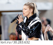 Купить «Fergie promotes her new album 'Double Dutchess' with a performance on NBC's Today Show on 9/22/17», фото № 30283632, снято 22 сентября 2017 г. (c) age Fotostock / Фотобанк Лори