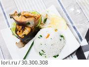 Купить «Baked trout steaks with rice», фото № 30300308, снято 22 марта 2019 г. (c) Яков Филимонов / Фотобанк Лори