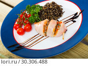 Купить «Stuffed squid with wild rice», фото № 30306488, снято 20 марта 2019 г. (c) Яков Филимонов / Фотобанк Лори
