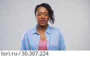 Купить «happy african american woman having interview», видеоролик № 30307224, снято 10 марта 2019 г. (c) Syda Productions / Фотобанк Лори