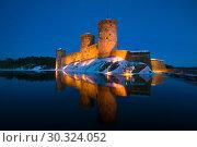 Купить «Старинная крепость Олавинлинна в ночном пейзаже. Савонлинна, Финляндия», фото № 30324052, снято 3 марта 2018 г. (c) Виктор Карасев / Фотобанк Лори