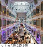 Купить «Центральный променад круизного парома Silja Symphony», фото № 30325848, снято 3 апреля 2016 г. (c) Михаил Марковский / Фотобанк Лори