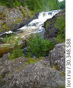 Купить «Водопад Кивач на реке Суна в летний день. Карелия», фото № 30348588, снято 13 июля 2012 г. (c) Ирина Борсученко / Фотобанк Лори