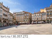 Купить «Оренсе, Испания. Вид Пласа Майор», фото № 30357272, снято 13 июня 2017 г. (c) Rokhin Valery / Фотобанк Лори