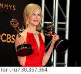 Купить «69th Emmy Awards 2017 Press Room held at the Microsoft Theatre L.A. LIVE in Los Angeles, California. Featuring: Nicole Kidman Where: Los Angeles, California...», фото № 30357364, снято 17 сентября 2017 г. (c) age Fotostock / Фотобанк Лори